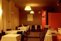 Salle de restaurant & accès cuisine