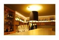 bar à vin - Vue du comptoir en étain